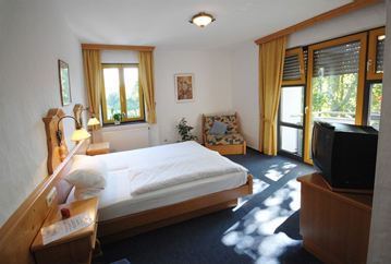 Freundlich eingerichtete Hotelzimmer in Idstein / Taunus